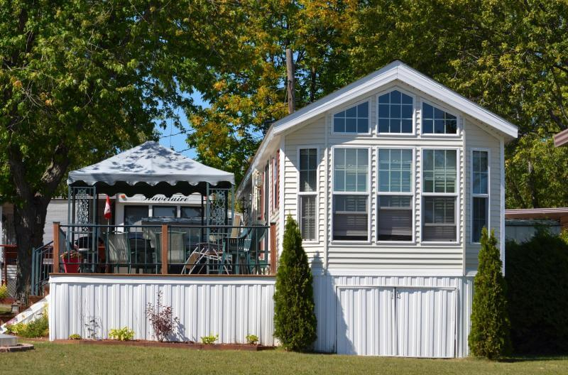 Cottages For Sale On Rice Lake. Marina Boat Rentals Plank